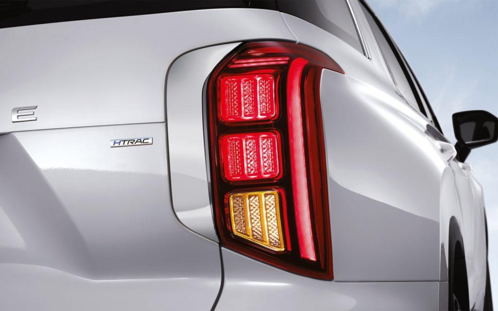 Hyundai объявил комплектации и цены на флагманский кроссовер Palisade