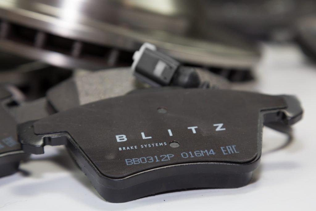 Тормозные колодки BLITZ: в чем их особенности