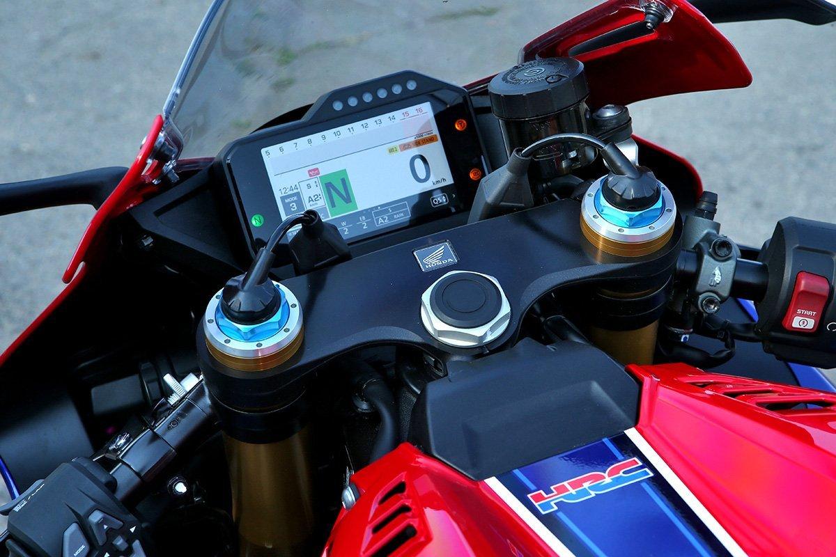 Почему Honda CBR1000RR-R Fireblade SP – самый потрясающий спортбайк