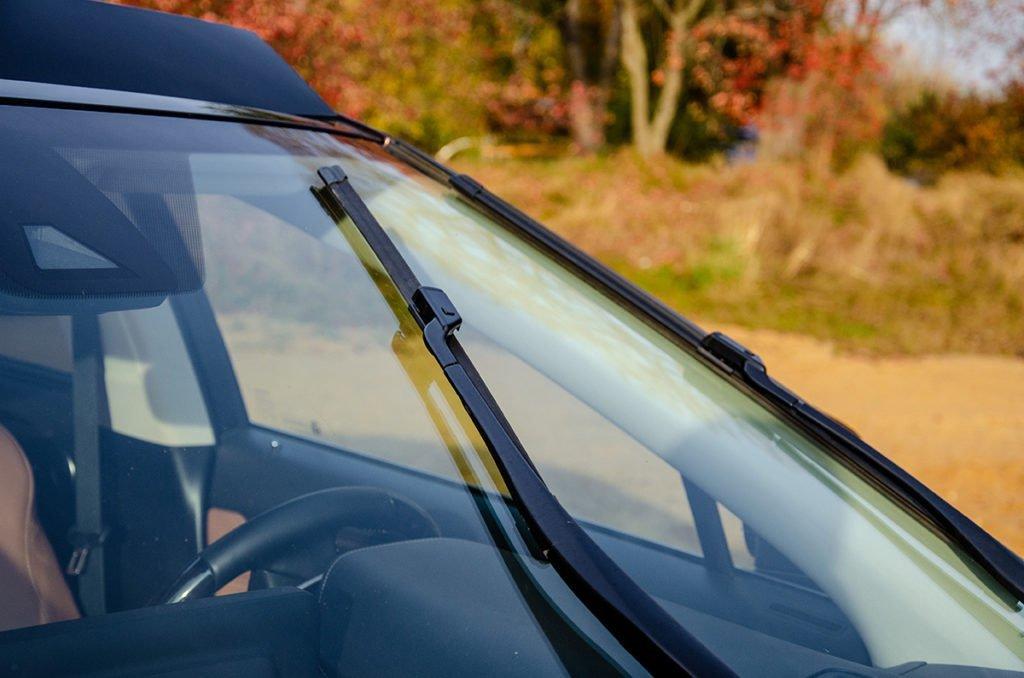 Тест бескаркаркасных щёток стеклоочистителей Carberry: смотреть дальше и шире