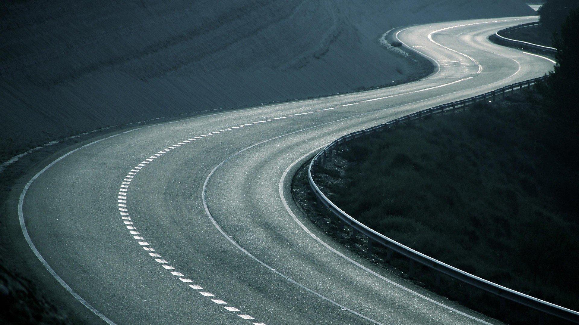 На российских дорогах появятся гоночные «шиканы»