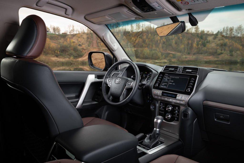 Проехал на Toyota Land Cruiser Prado с новым дизелем: как он ведёт себя на асфальте и бездорожье