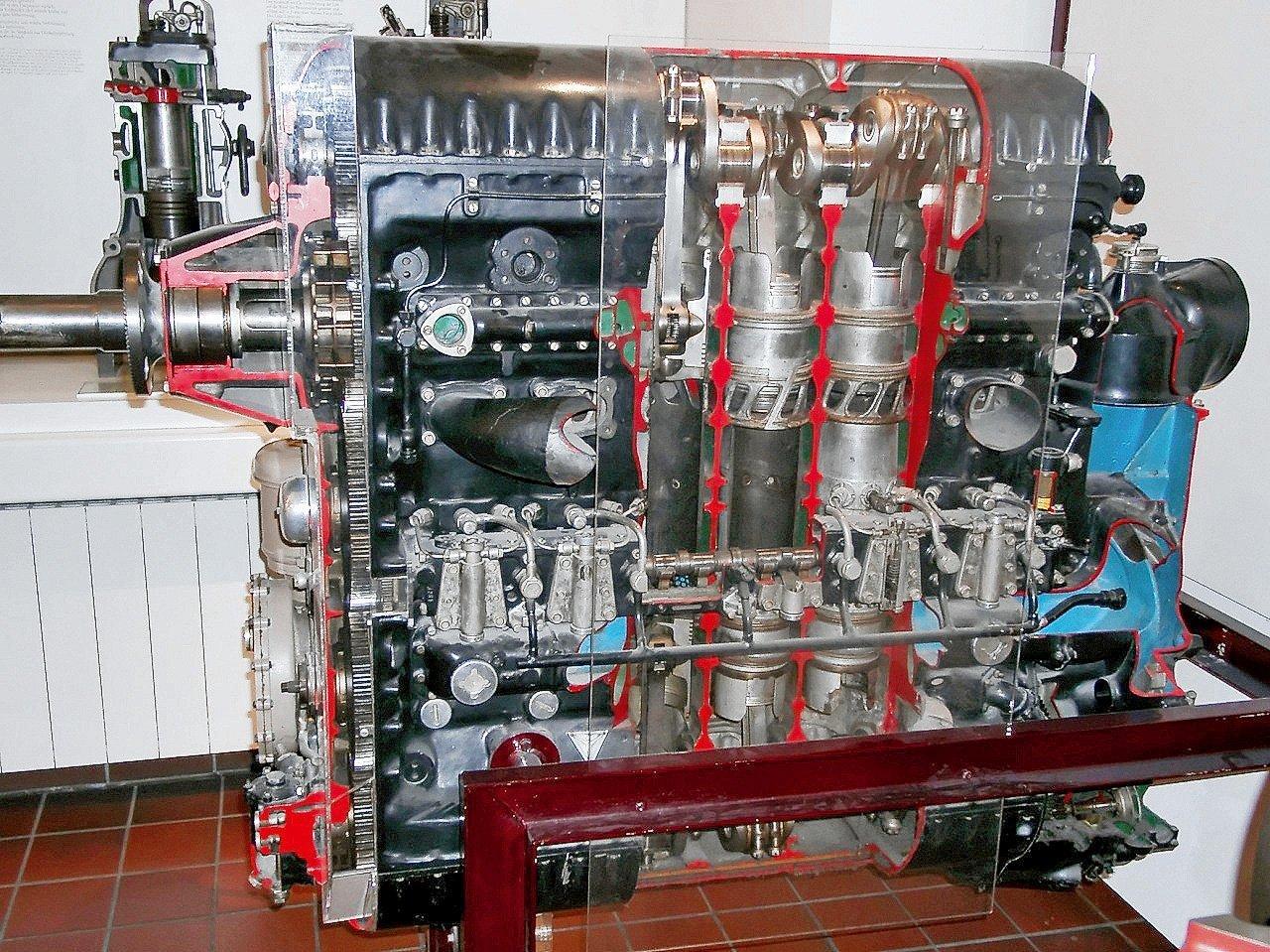 Двухтактный чудо-мотор для пикапа: его придумали русские, выпускали немцы, а довели до ума американцы