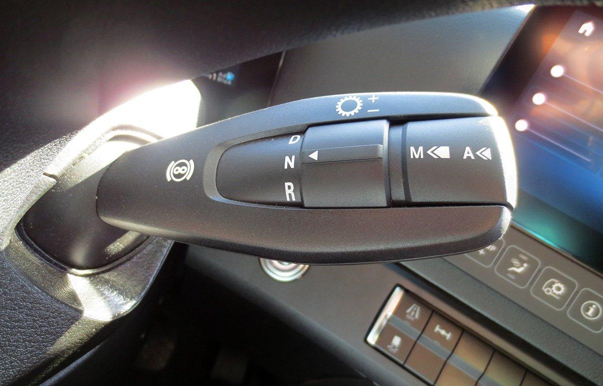 Это «Майбах» среди тягачей. Проехал на новом Mercedes-Benz Actros без зеркал по Подмосковью
