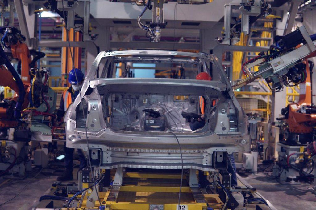 На заводе Aurus освоили промышленную сборку кузовов