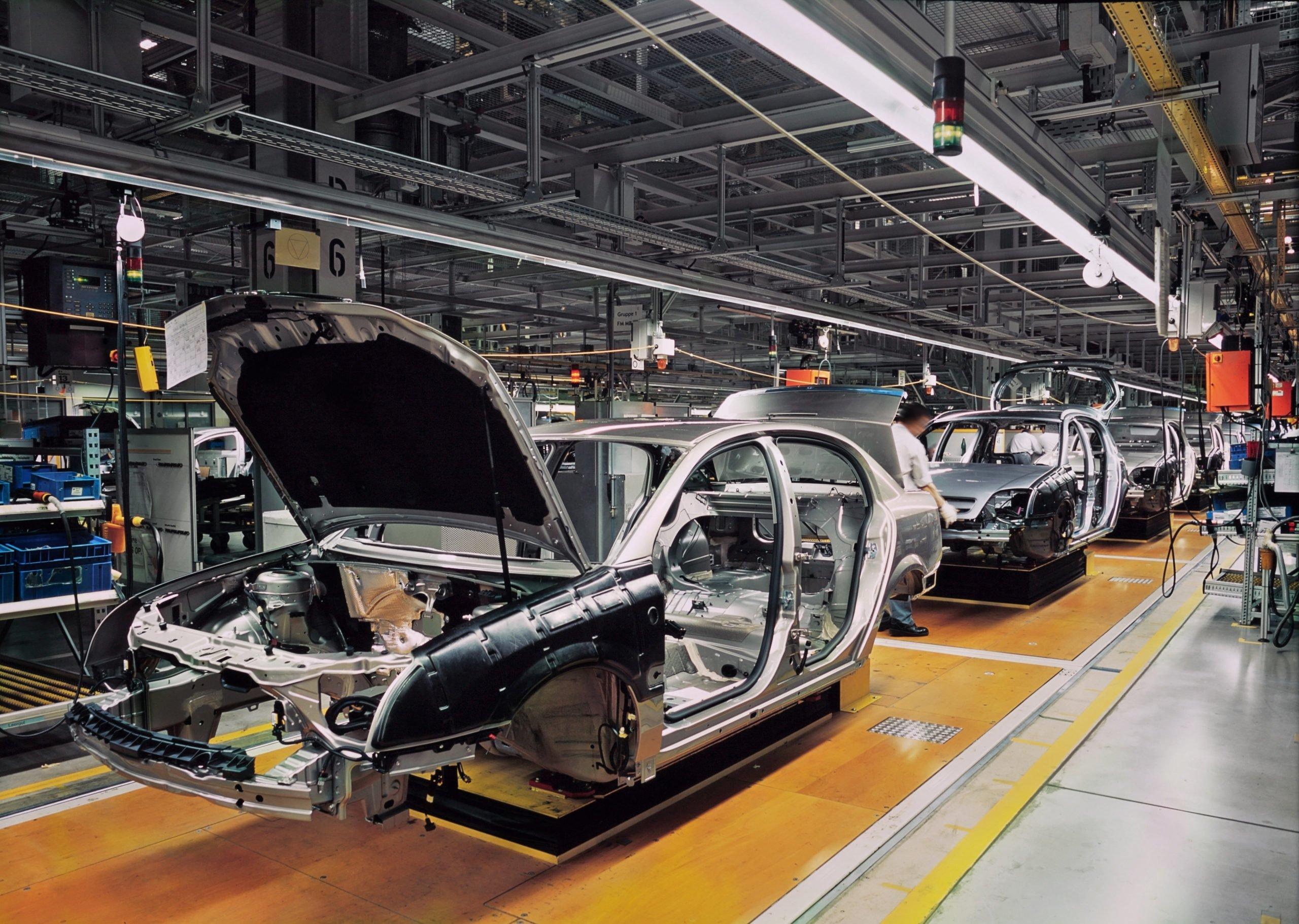 Автомобильная отрасль сократила больше всего сотрудников за 2020 год