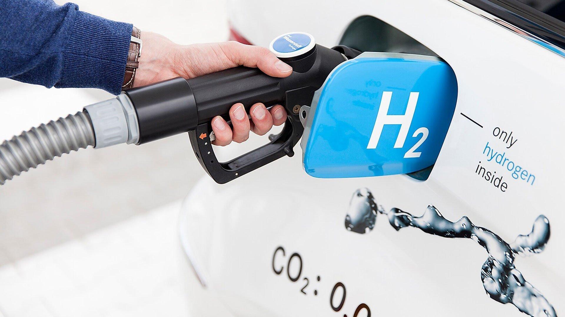 Владимир Путин поручил создать автобус на водороде