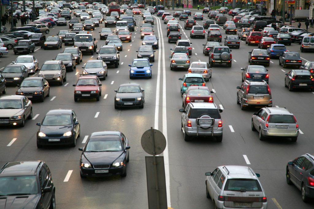 Стало известно, сколько в России машин старше 15 лет