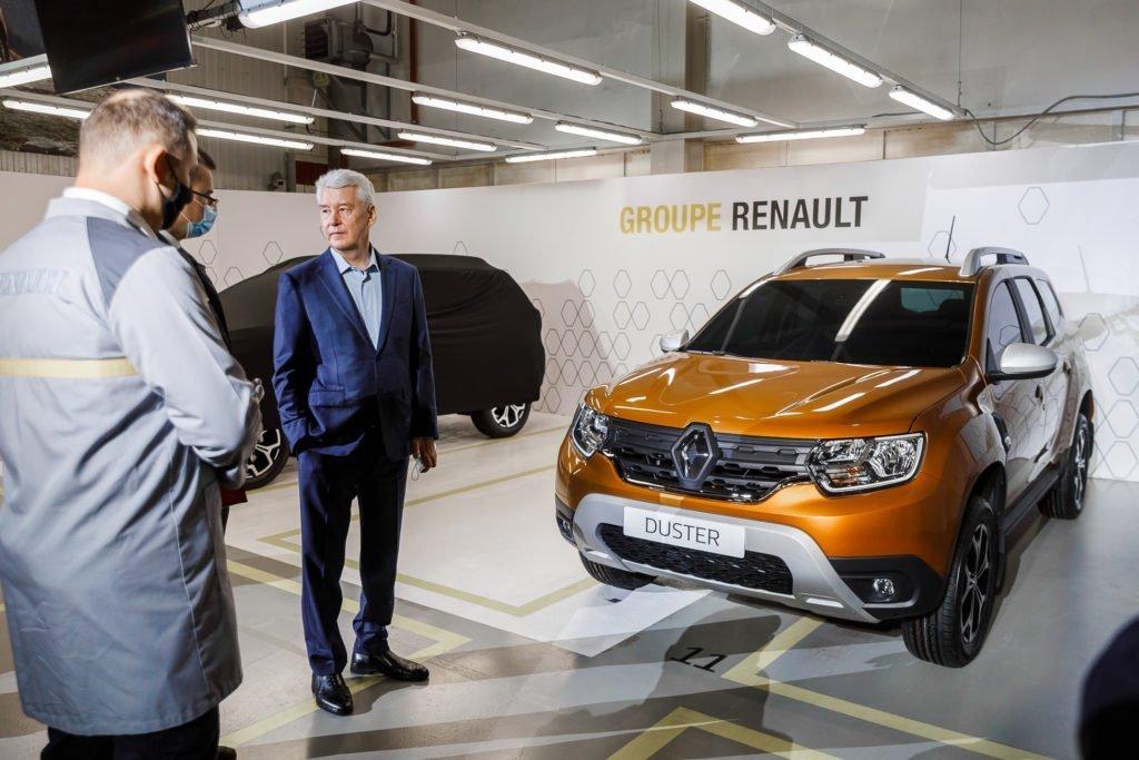 Мэру Москвы показали новый Renault Duster и раскрыли дату начала его производства