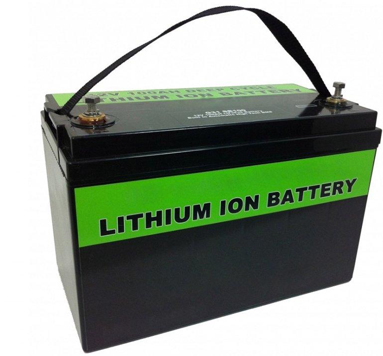 Можно ли использовать литий-ионный или никель-металлогидридный аккумулятор в обычном автомобиле? А заменить его на конденсаторы?