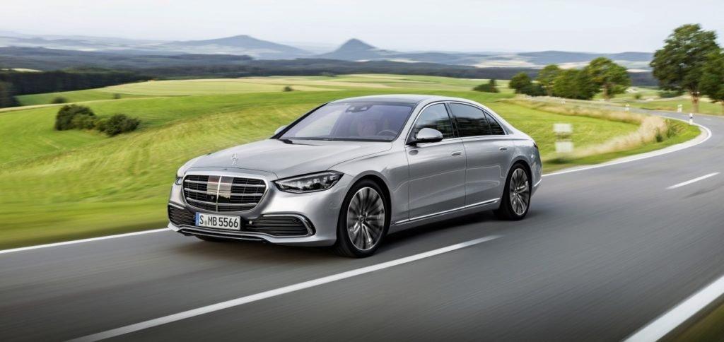 Новый Mercedes S-класса приедет в Россию с рядными «шестерками» и полным приводом