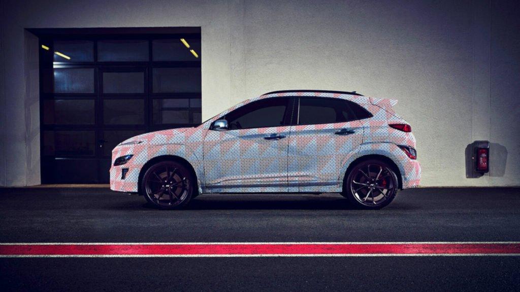 Hyundai опубликовал первые фото «заряженного» кроссовера Kona N