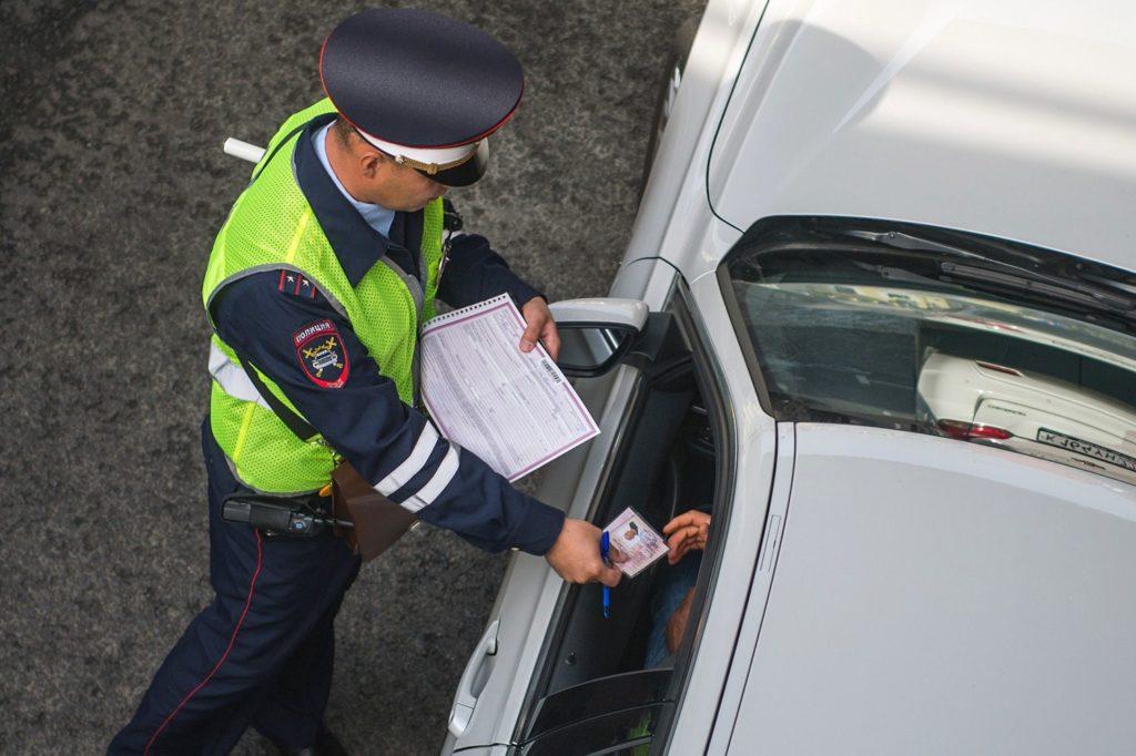 Российским водителям хотят разрешить ездить без прав