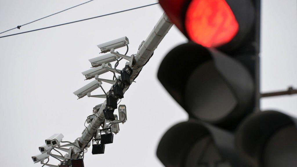 Судебные приставы используют дорожные камеры для отлова должников по штрафам ГИБДД