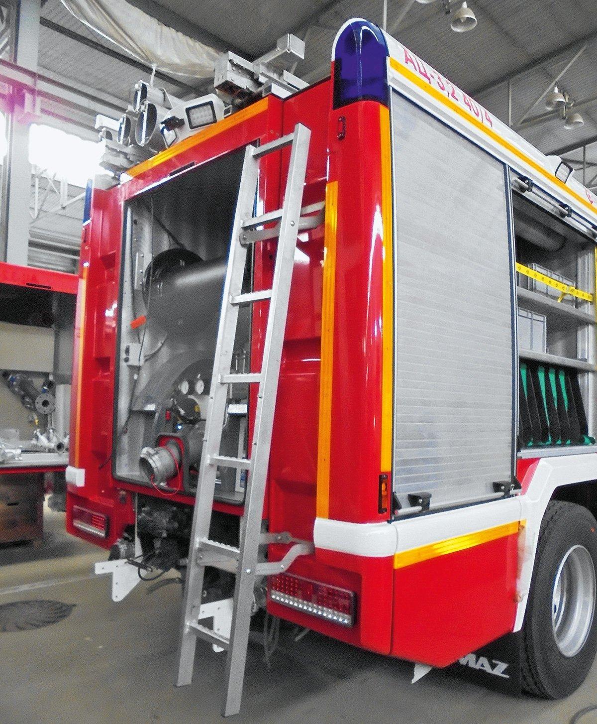 Съездил на завод «Спецтехника пожаротушения»: рассказываю, как делают пожарные машины в России