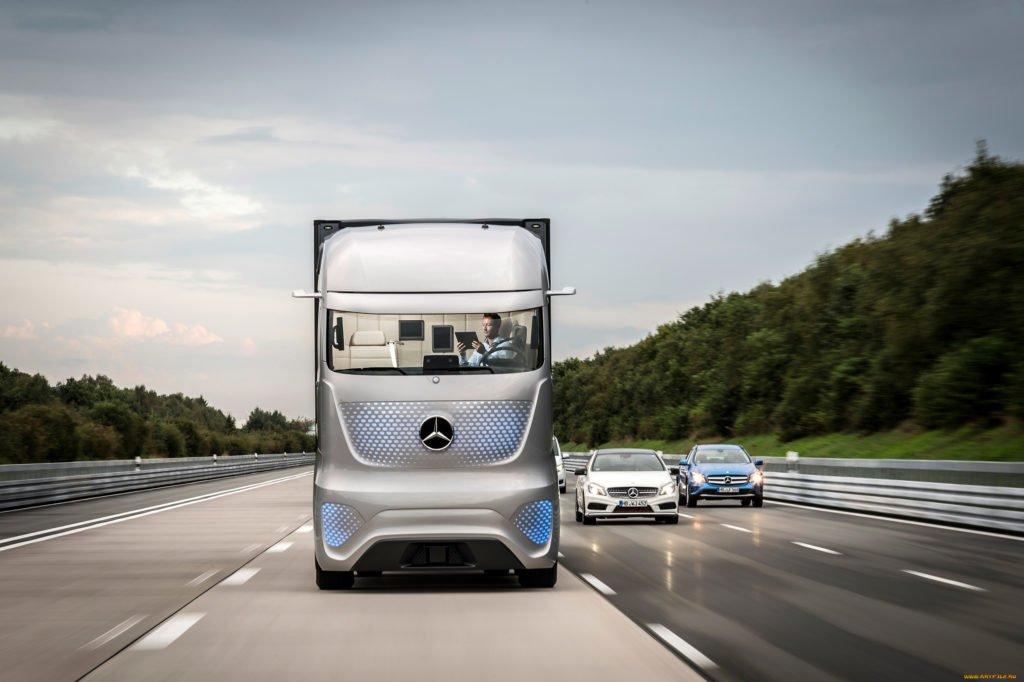 Концерн Daimler переименуют в Mercedes-Benz