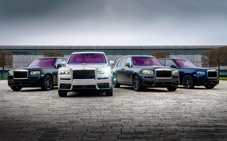 В Москву привезли сразу четыре кроссовера Rolls-Royce Cullinan в самом дорогом исполнении