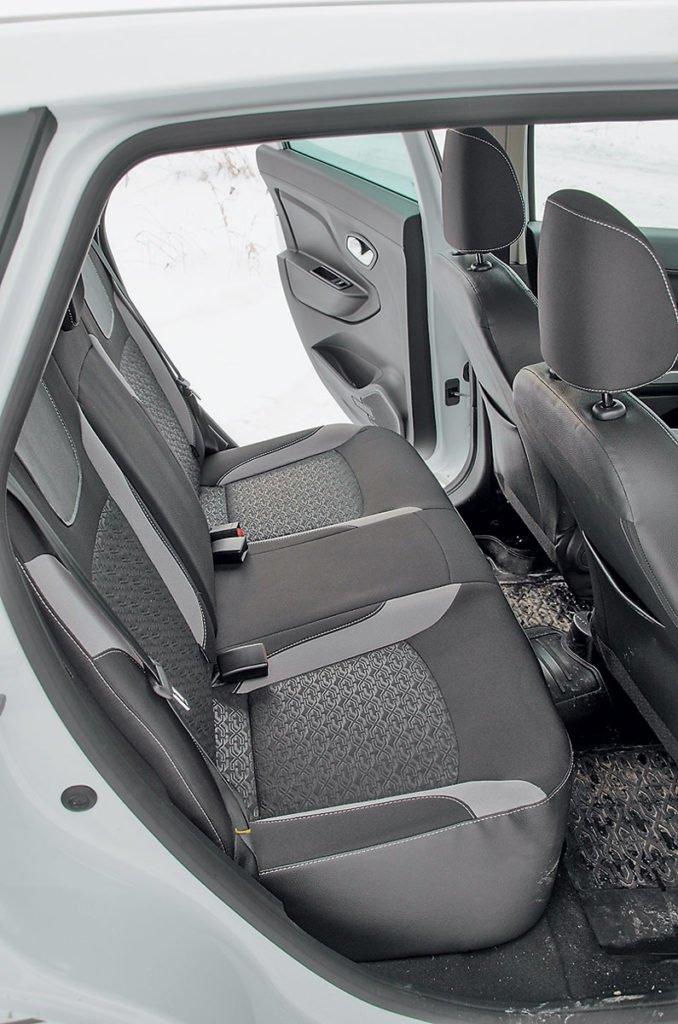 Чем Lada Granta хуже и лучше, чем Lada XRAY, и причём здесь ВАЗ-2108?