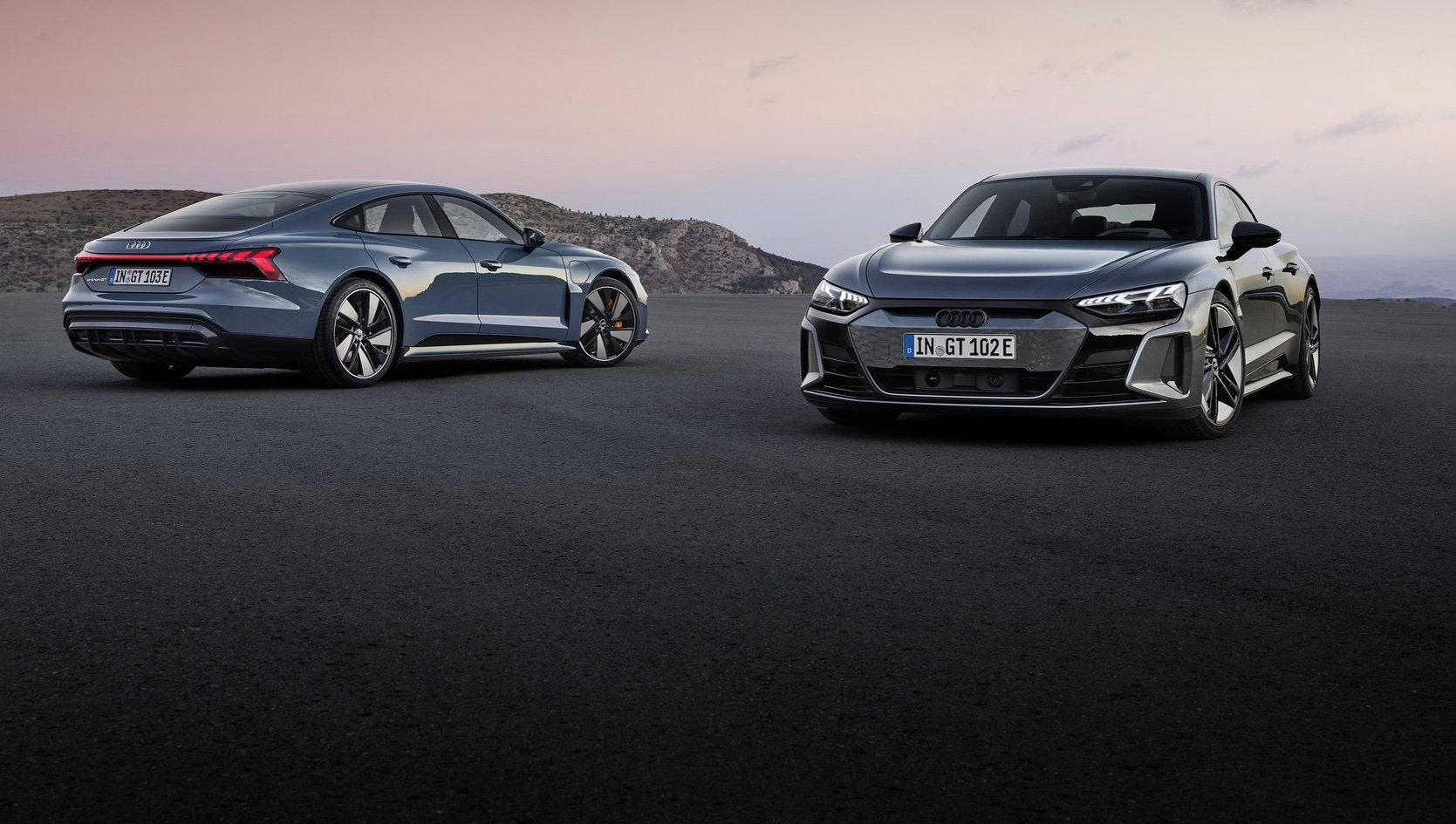 Серийный Audi e-tron GT представлен официально