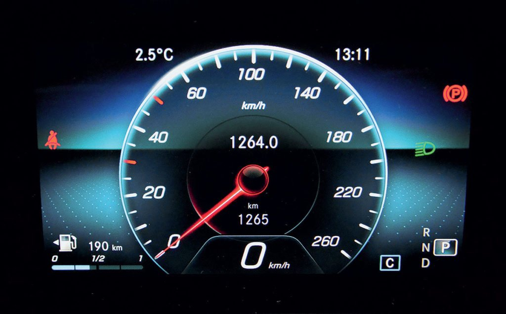 Проехал на новом Mercedes-Benz GLA: какие выводы я сделал