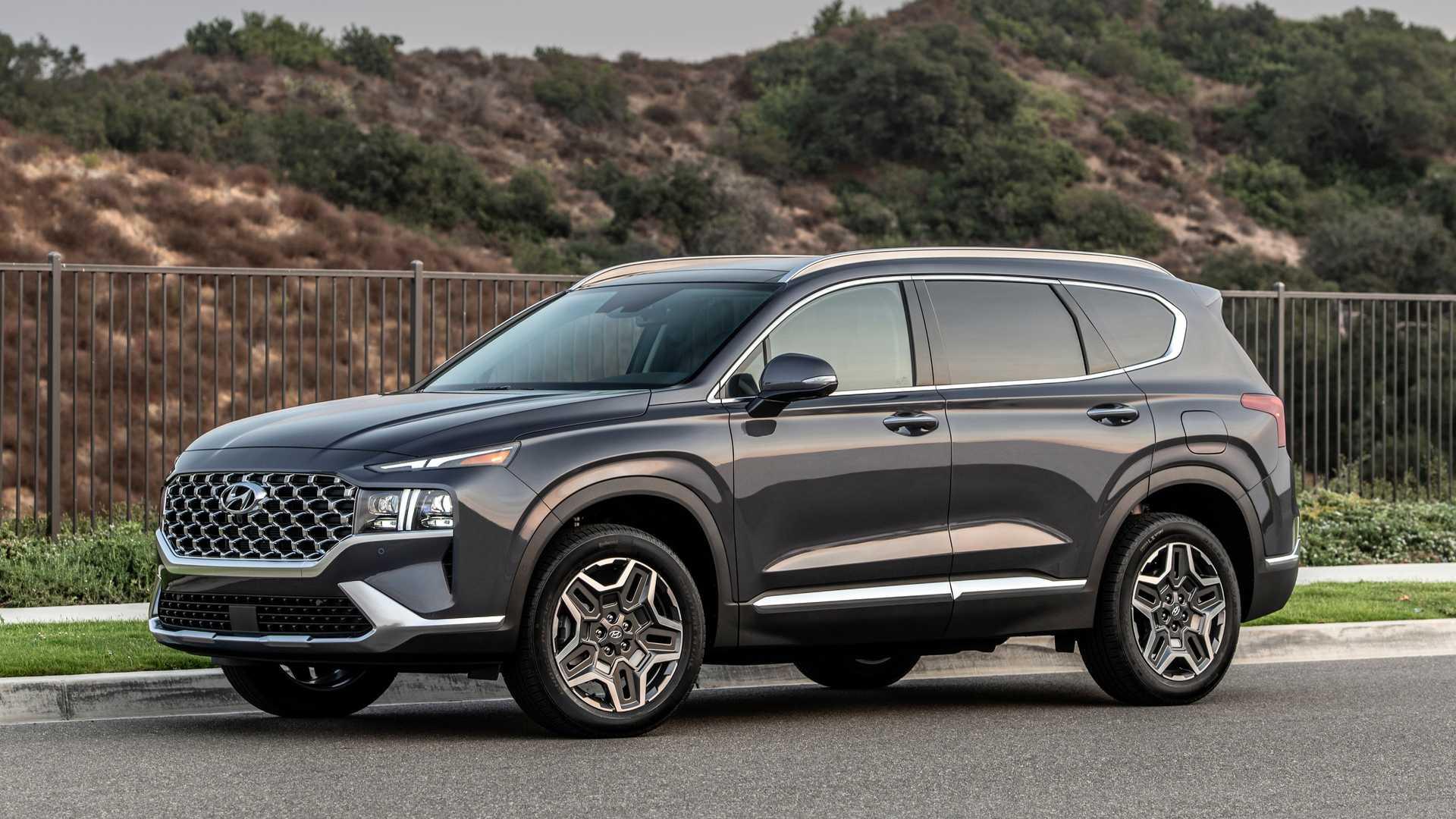 Обновленный Hyundai Santa Fe получил российские ценники