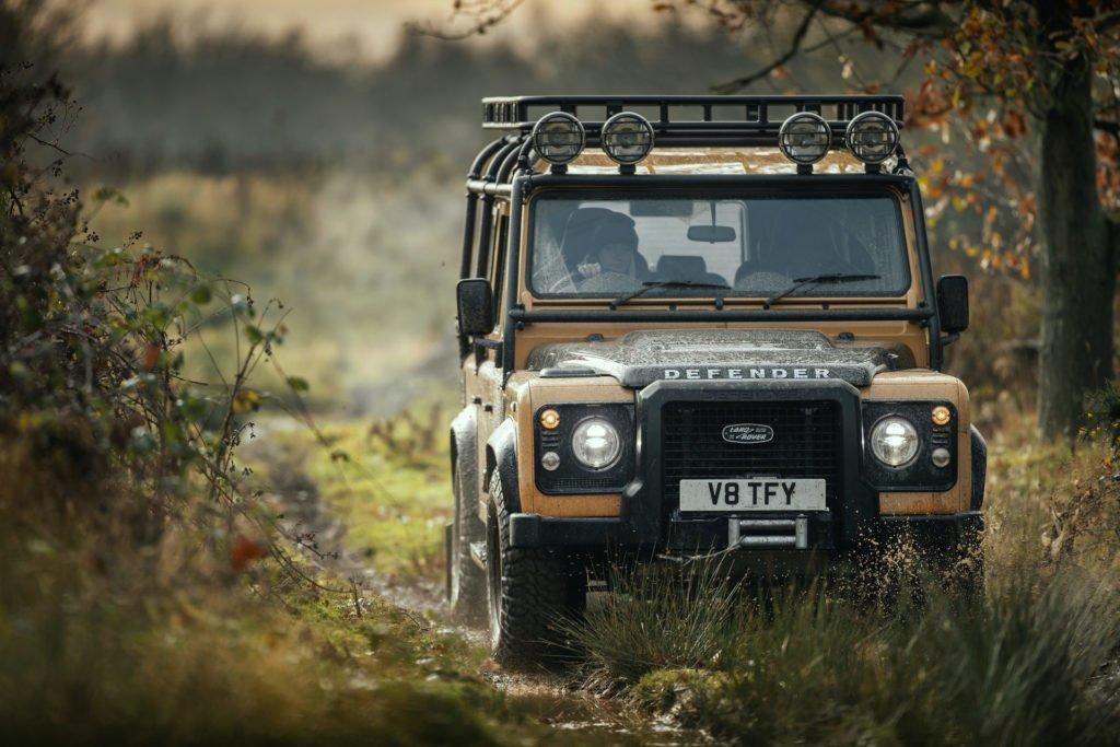Land Rover возродит классический Defender за бешеные деньги