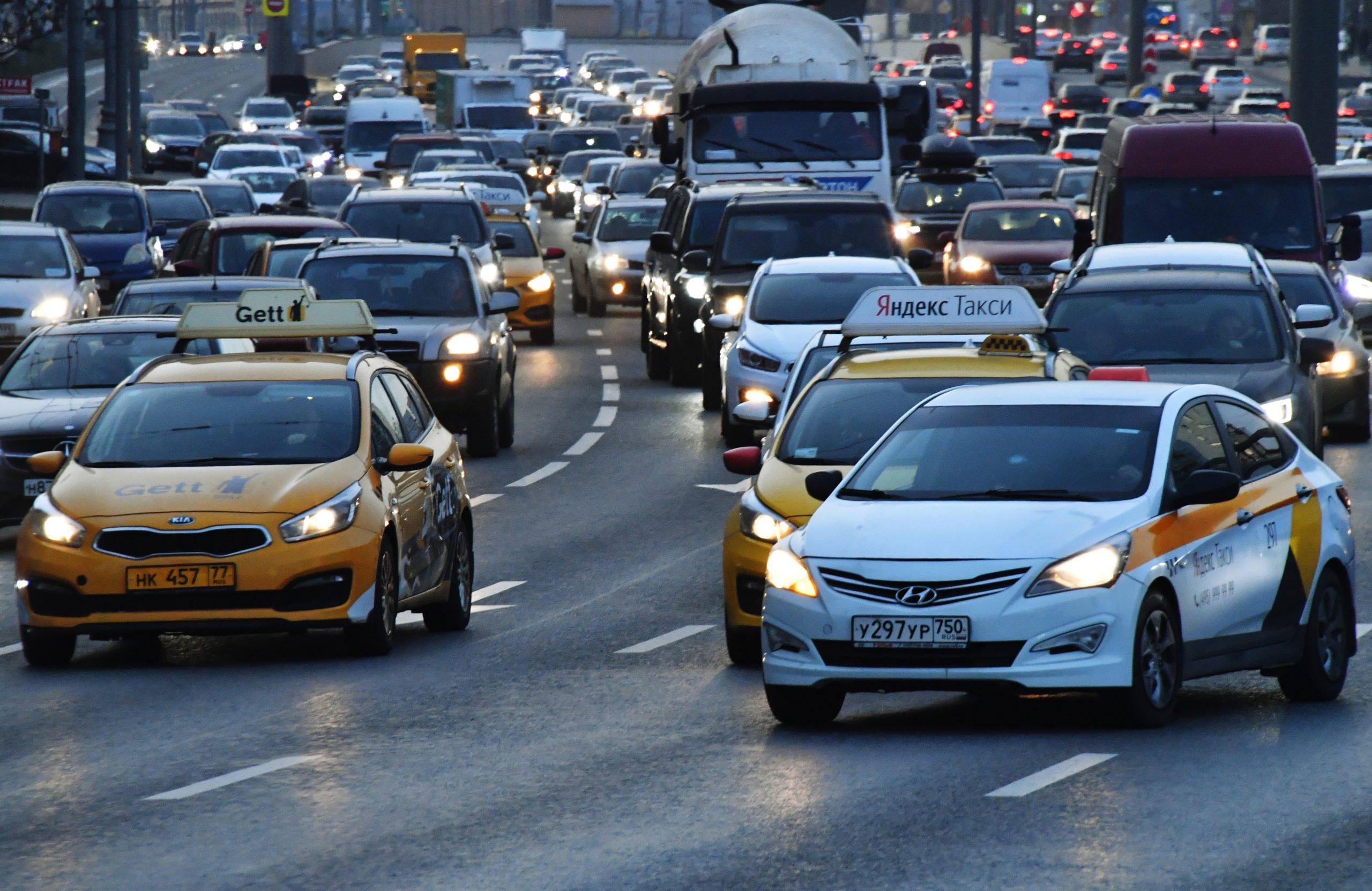 Водители в России смогут стать «социальным такси»