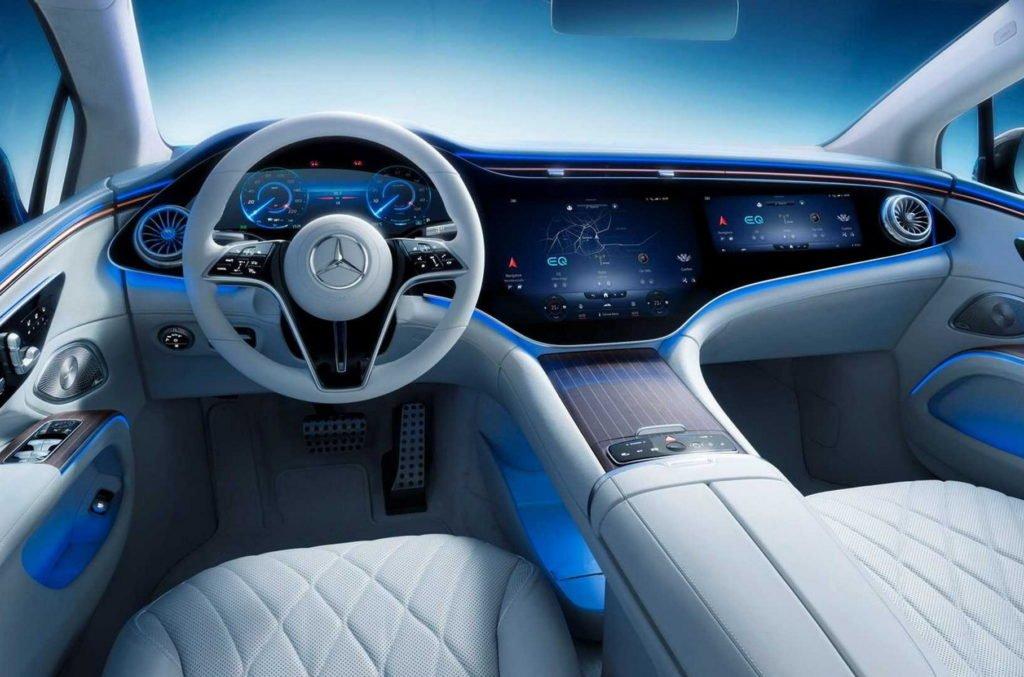 Окончательно раскрыт салон роскошного электрокара Mercedes-Benz EQS