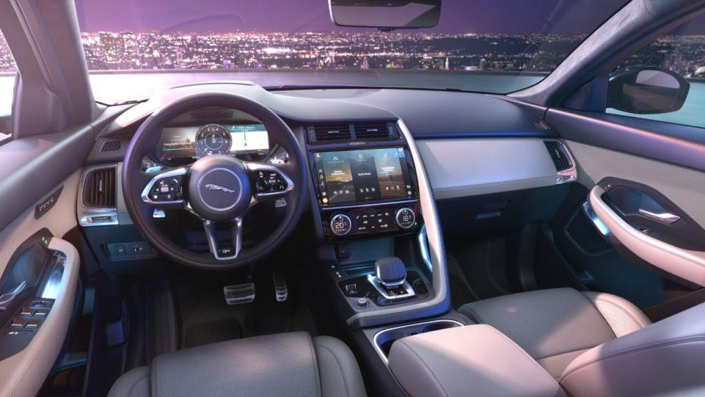 Обновленный кроссовер Jaguar E-pace после обновления ощутимо подорожал
