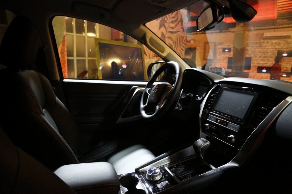 Обновлённый Mitsubishi Pajero Sport: известны комплектации и цены