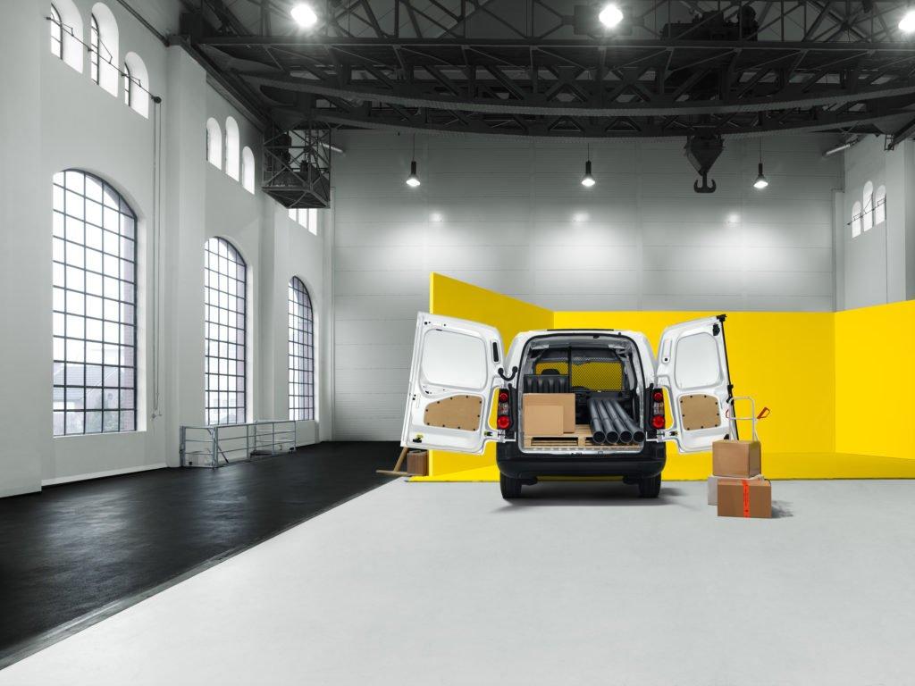 Opel назвал цены и комплектации на фургон Combo Cargo