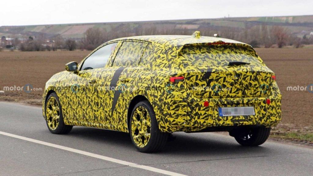 Появились первые снимки нового Opel Astra