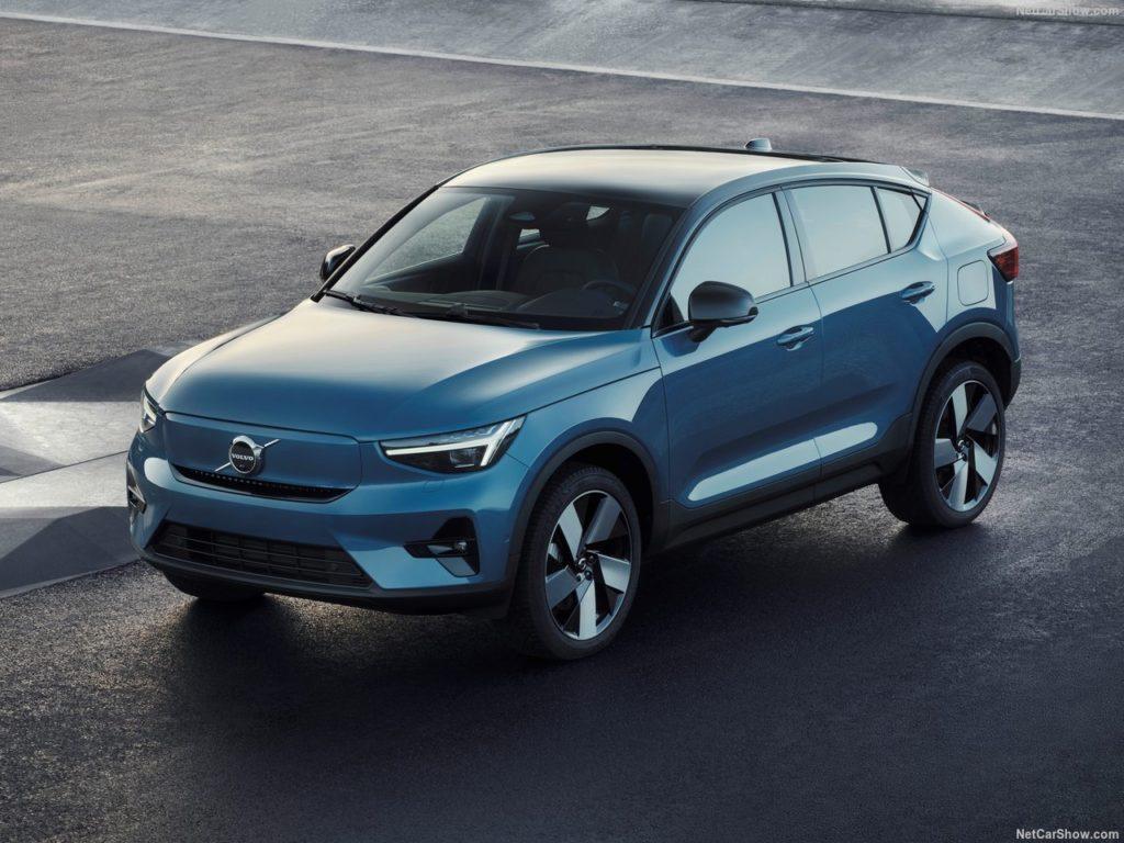 Электрическое кросс-купе Volvo C40 планируют привезти в Россию