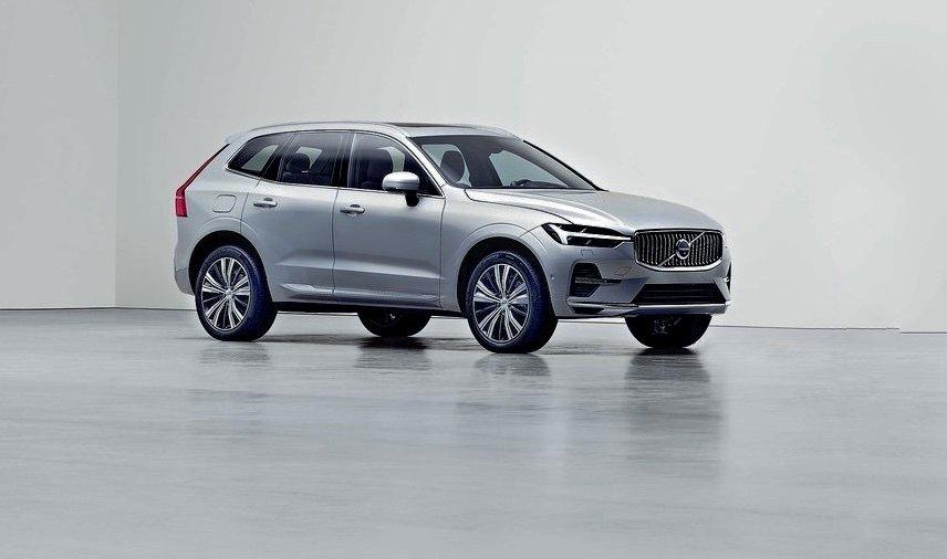 Самый популярный кроссовер Volvo обновился