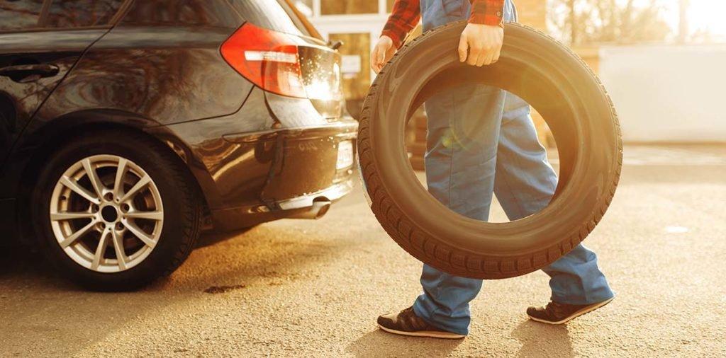 Госдума обяжет коммунальщиков компенсировать ущерб автомобилистам