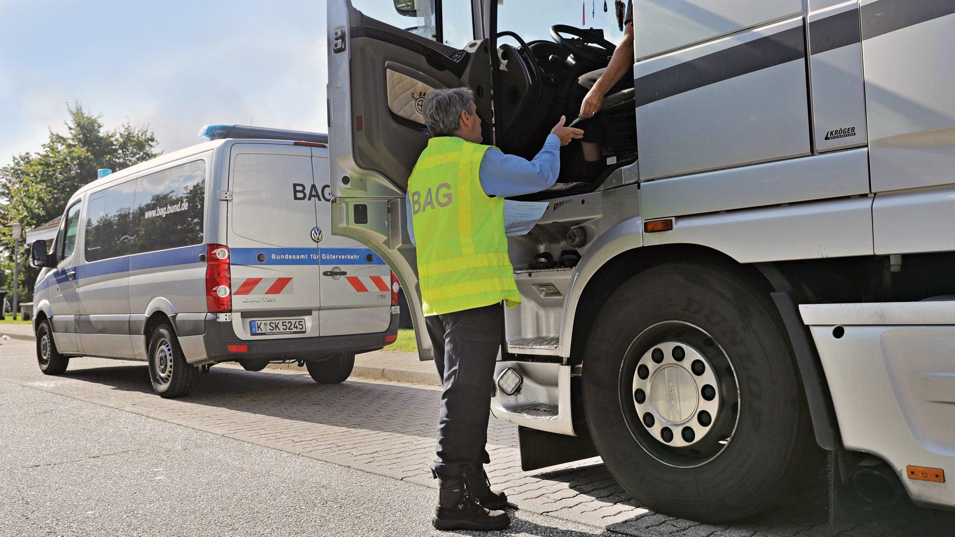 Дальнобойщикам-иностранцам снизили штрафы в Германии: немецкие водители негодуют, но это справедливо