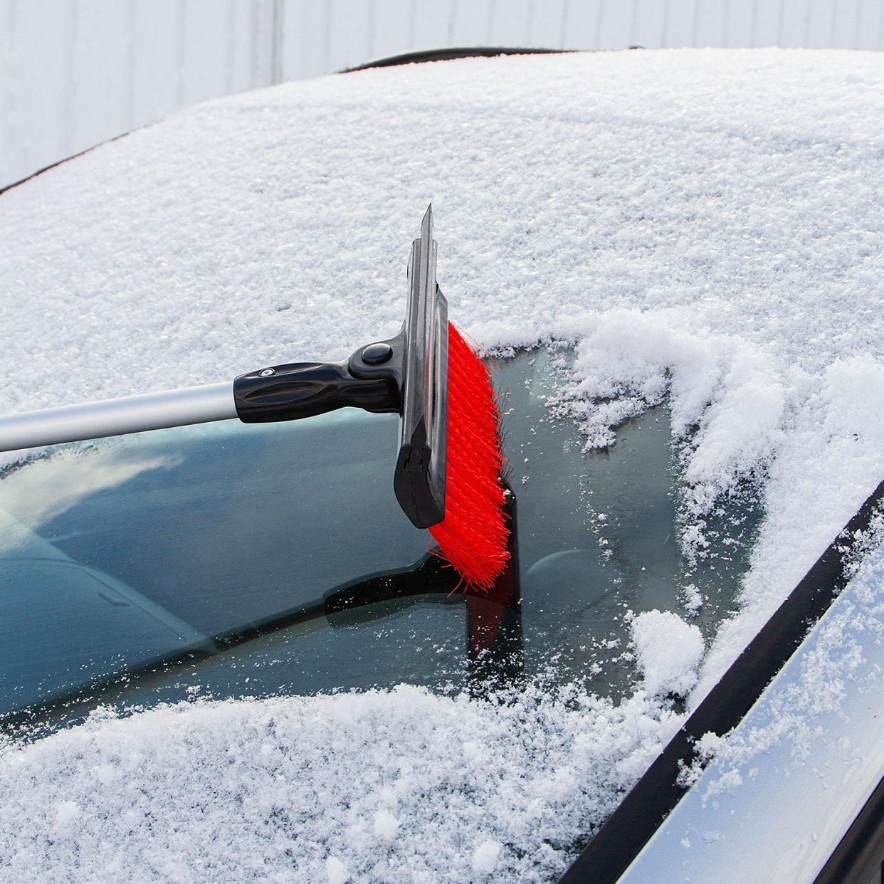 Чем очистить стекла автомобиля