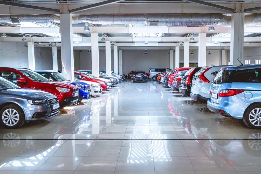 Сравнили цены на новые машины в России и Европе. У нас они стоят гораздо дешевле! Почему такая разница?
