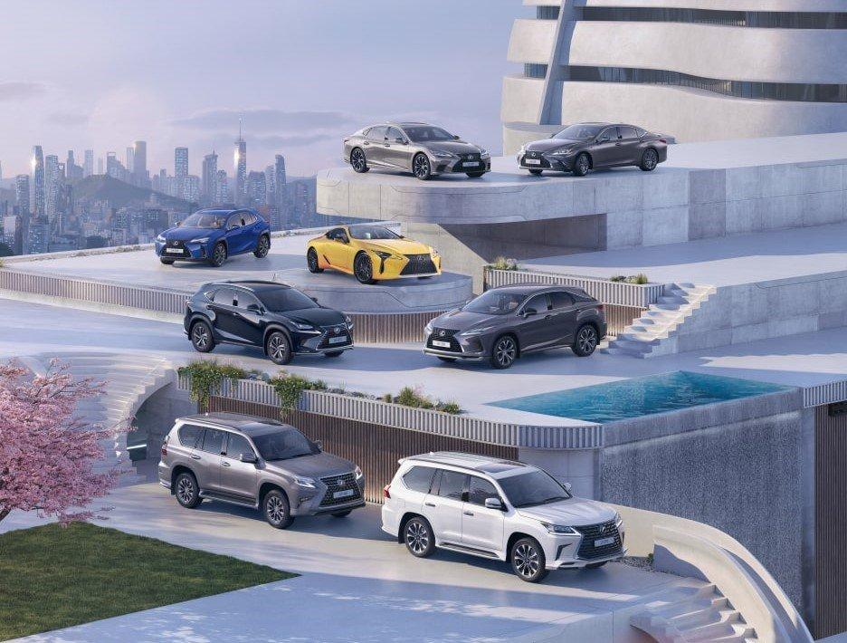 Lexus поставил рекорд продаж в России