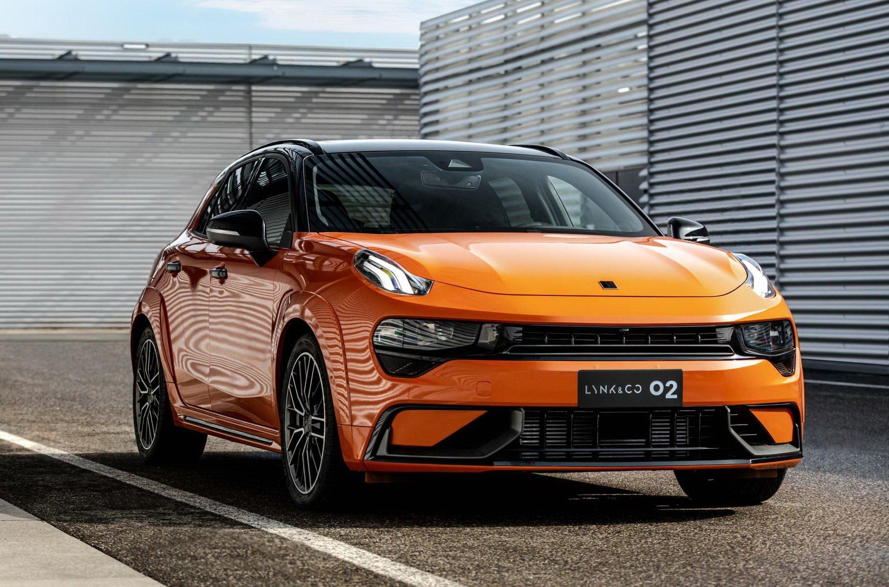 Китайцы представили хэтчбек, похожий на Porsche и с мотором от Volvo