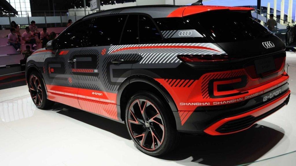 Audi показал большой таинственный электрокроссовер
