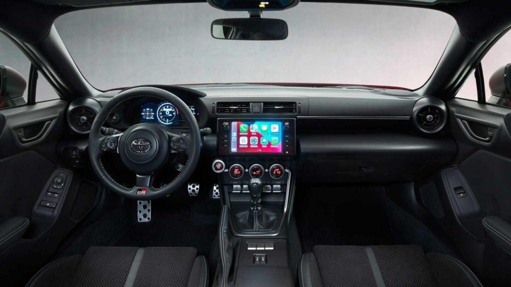 Новая Toyota GR 86 оказалась мощнее Subaru BRZ
