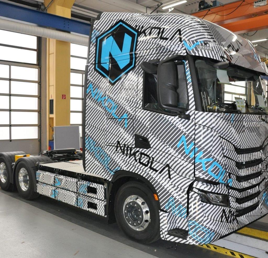 Помните компанию Nikola? Рассказываем, что с ней сейчас и где обещанные электрические грузовики
