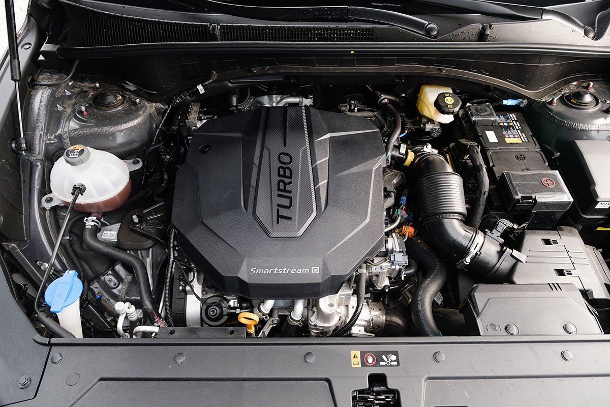 Проехал на Hyundai Santa Fe 2021 года: машину не узнать! Рассказываю, что изменилось