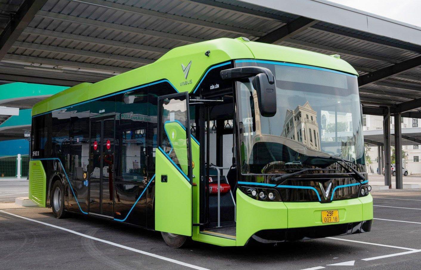 VinBus Ecology Transport Services запустил в эксплуатацию первый во Вьетнаме интеллектуальный электробус