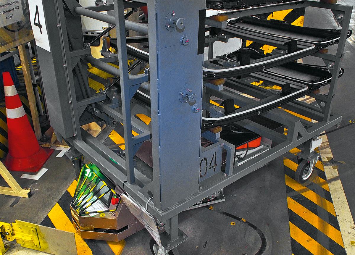Как устанавливают панорамные крыши на заводе. Разбираемся на примере Nissan и Webasto