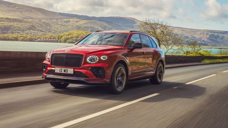 Bentley привезёт в Россию «заряженный» кросс Bentayga S