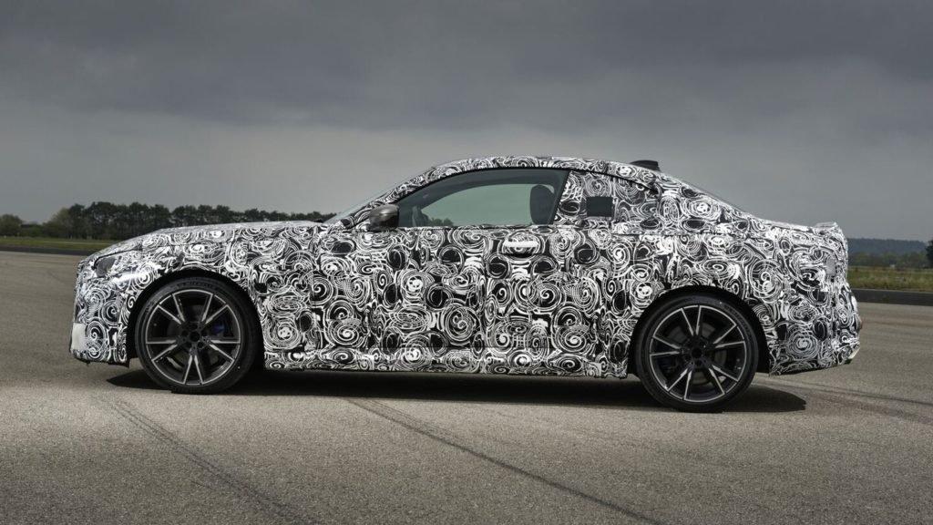 BMW опубликовала первые фото нового купе 2-Series