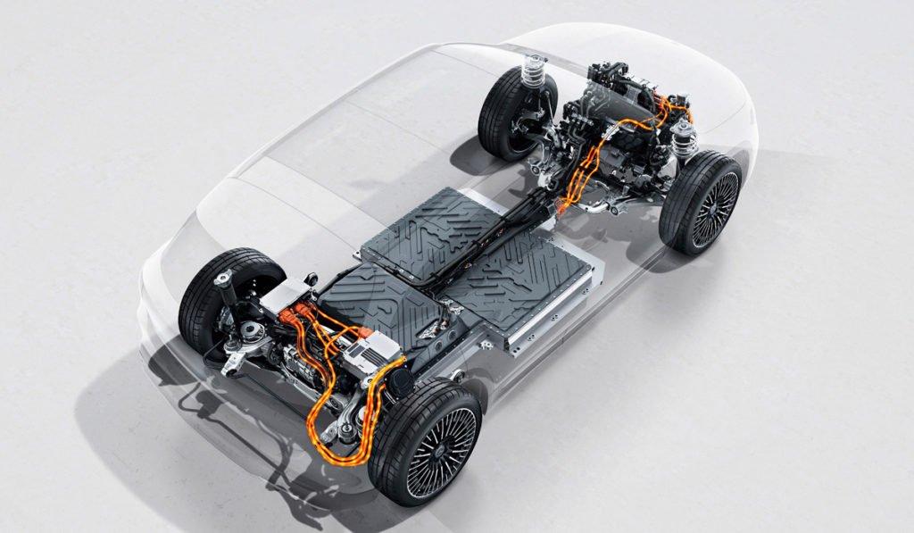 Полный привод, запас хода 400 км и бесплатная зарядка: начались продажи электрического кроссовера Mercedes EQA 300. Показываем цены