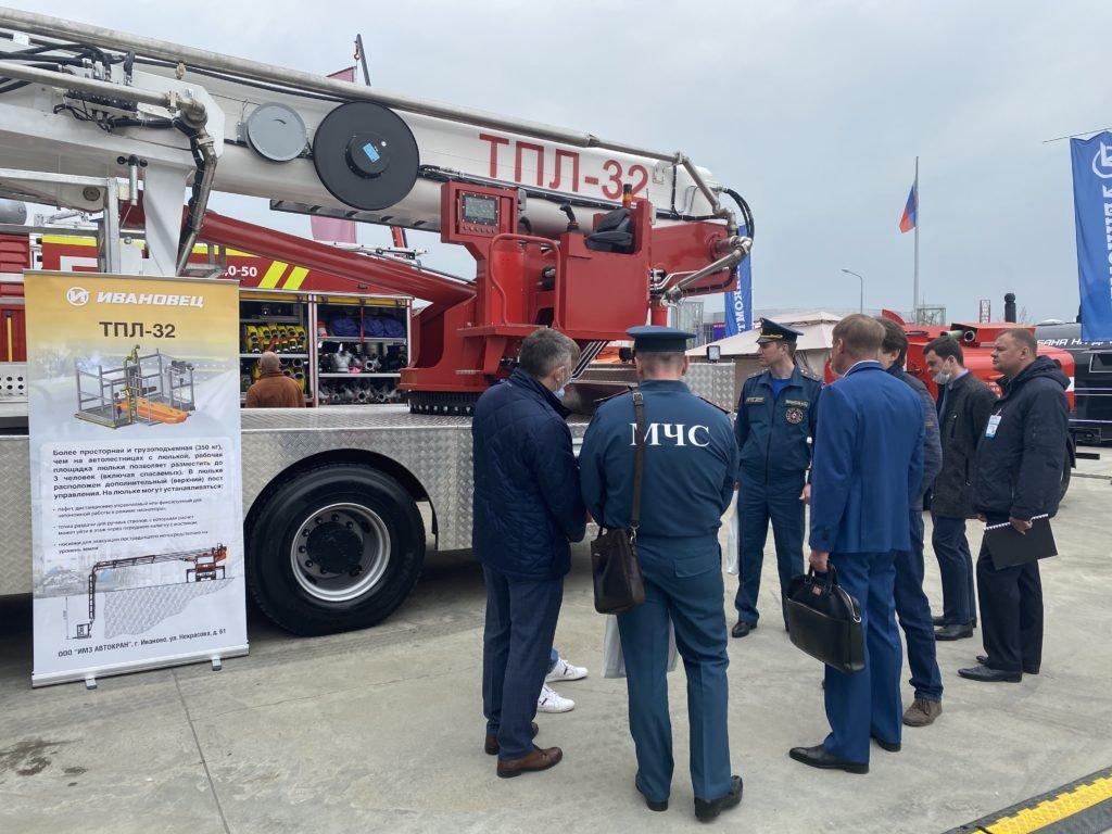«ИМЗ Автокран» представил свой первый пожарный телескопический автоподъёмник